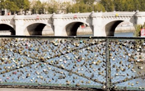 Une tradition romantique : les cadenas d'amour