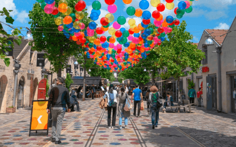 Bubble Sky Brings Joy and Colour to the Streets of Bercy Village