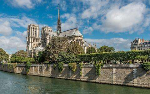 Rediscover The Crypt At Notre Dame de Paris