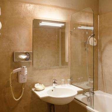 Hôtel La Motte Picquet - Chambre - Salle de bain